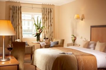 e589f-hotel_bedroom